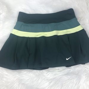 Nike Women's Dri-fit skirt/short